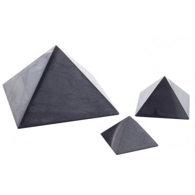 Šungitová pyramida leštěná 3x3 cm
